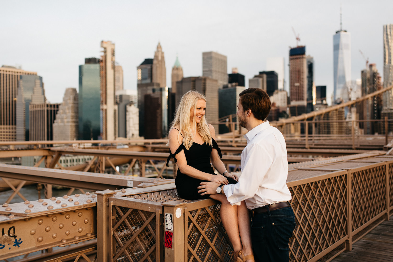 couple on Brooklyn bridge New York Engagement